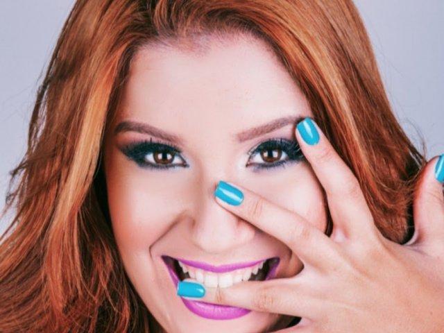 Você conhece a blogueira Boca Rosa?