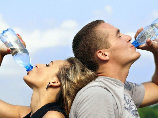 Quiz de saúde: O que você sabe sobre a água e a Hidratação?