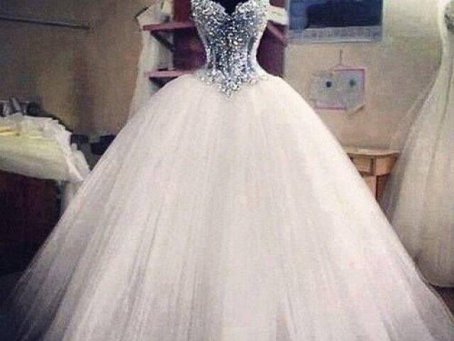 Qual cor iria ser seu vestido de 15 anos?