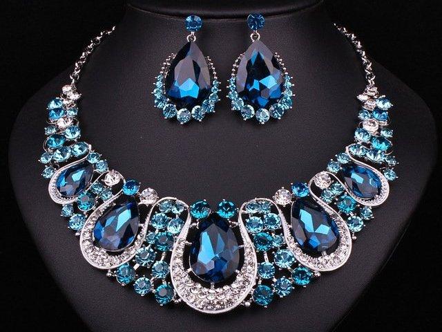 Qual joia elegante seria perfeita para você?