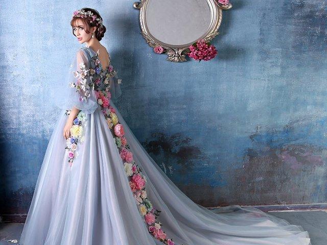 Qual vestido de baile você usaria?