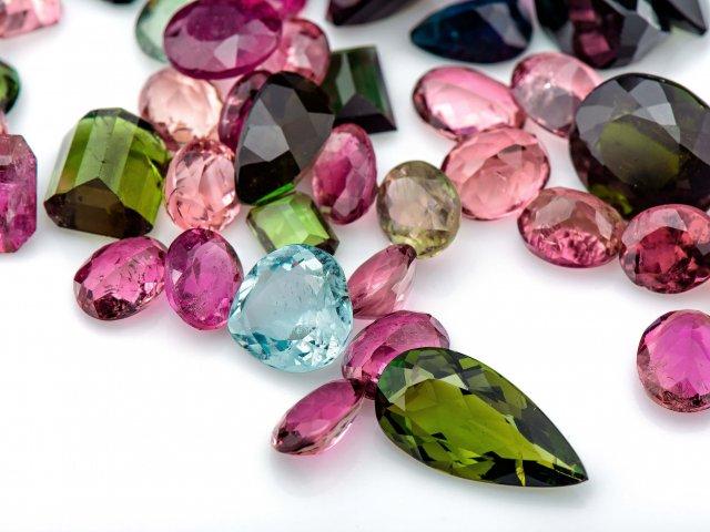 Qual pedra preciosa mais combina com sua personalidade?