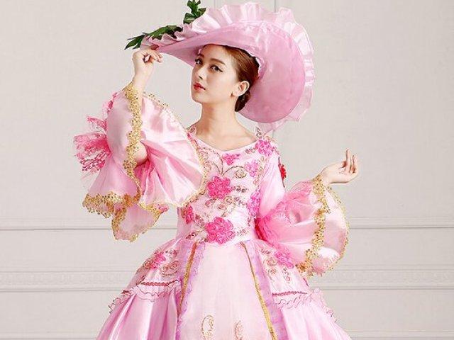 Como seria seu vestido da era medieval vitoriana?