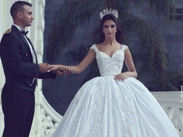 Qual vestido de noiva combina mais com você?