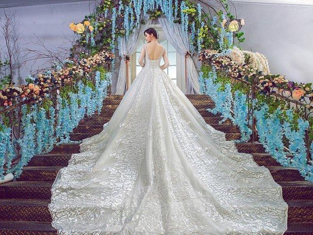 Como seria seu vestido de noiva?