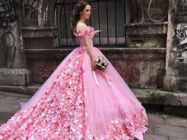 Como seria o seu vestido de debutante?