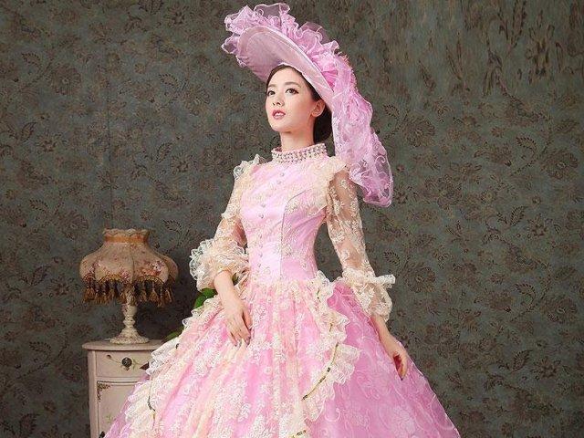 Como seria o seu vestido de festa medieval?