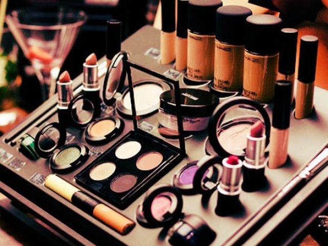 Qual item de maquiagem combina com você?