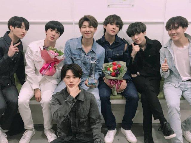 Com quem você namoraria do BTS?