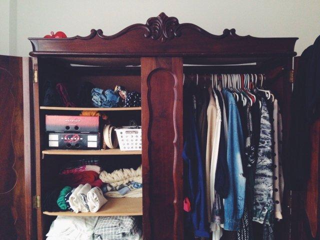 Qual peça de roupa não pode faltar no seu guarda roupa?