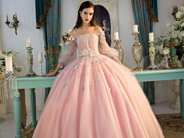 Como seria o seu vestido de conto de fadas?