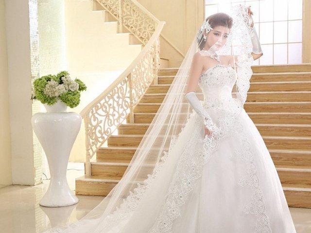 Como seria o seu vestido de noiva?