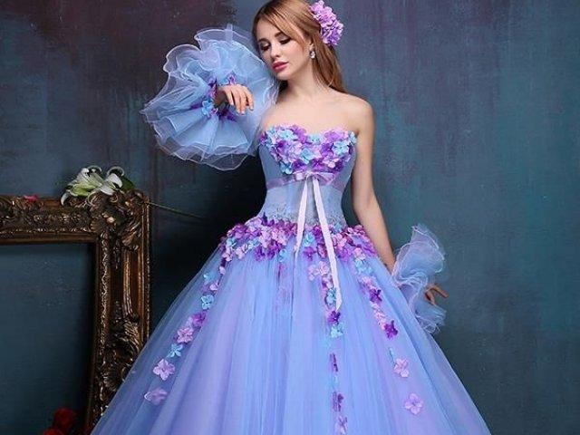 Como seria o seu vestido de baile?